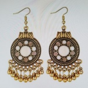 Ethinc retro metal drop earrings
